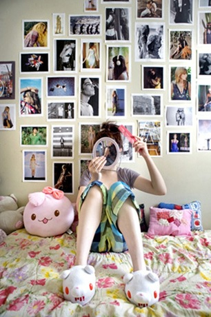 A Girl And Her Room 004